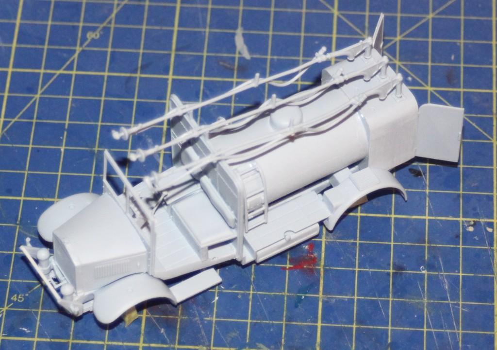 Albion 3-Point Fueller, Airfix 1/48 IMG_9189_zpszdfbbdpt