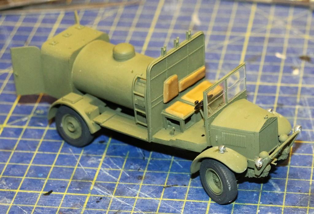 Albion 3-Point Fueller, Airfix 1/48 IMG_9256_zpsqn8c9biy