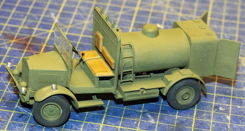 Albion 3-Point Fueller, Airfix 1/48 IMG_9257_zpserz66ia7