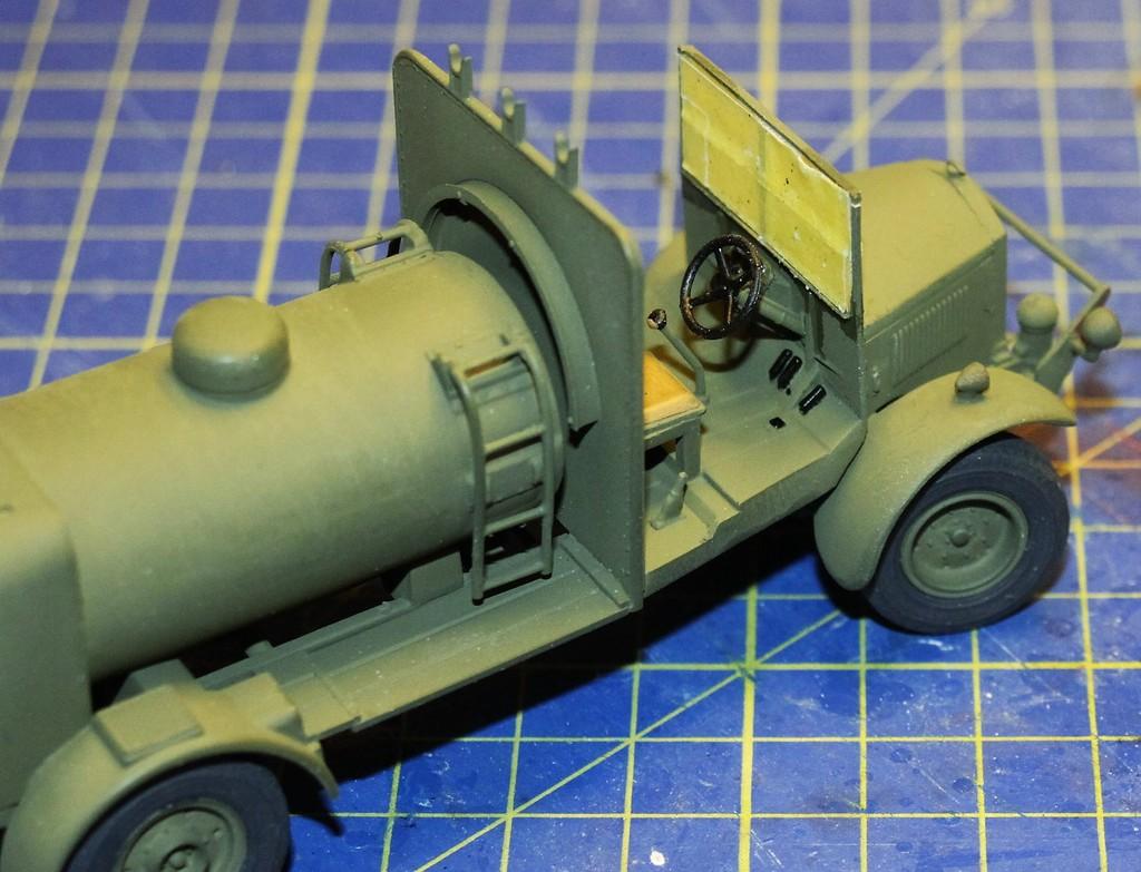 Albion 3-Point Fueller, Airfix 1/48 IMG_9288_zpsza6l91b7