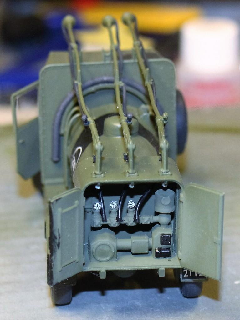 Albion 3-Point Fueller, Airfix 1/48 IMG_9540_zpsjkp2y6cp