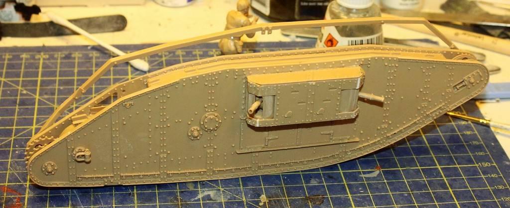 "WWI Heavy Main Battle Tank ""Female"", Takom 1/35 IMG_0112_zpsfdiu22e3"