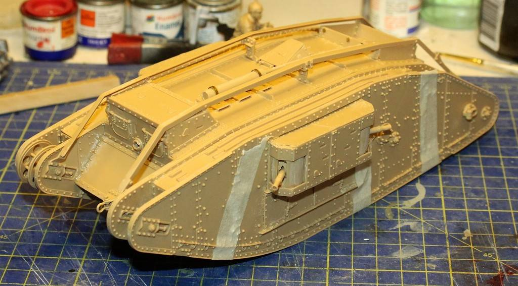 "WWI Heavy Main Battle Tank ""Female"", Takom 1/35 IMG_0114_zpskqprnedg"