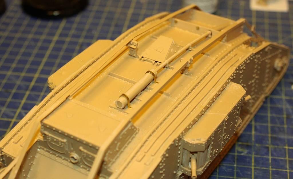 "WWI Heavy Main Battle Tank ""Female"", Takom 1/35 IMG_0122_zpsdnpygawk"
