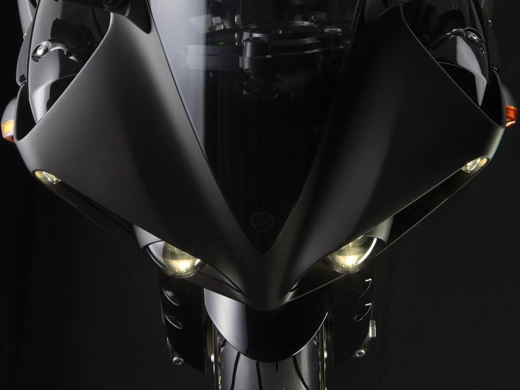 Motor YAMAHA R! 2009-YZF-R1-detail-06_tcm26-266419