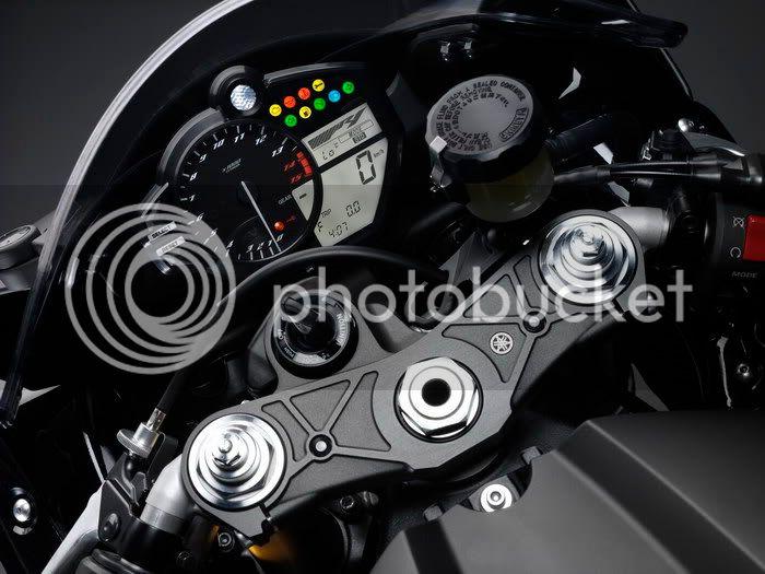 Motor YAMAHA R! R1200925kn2