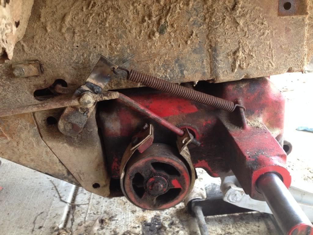 70's Wheel horse C-120 mud crawler trail rider - Page 3 Null_zps06a369da