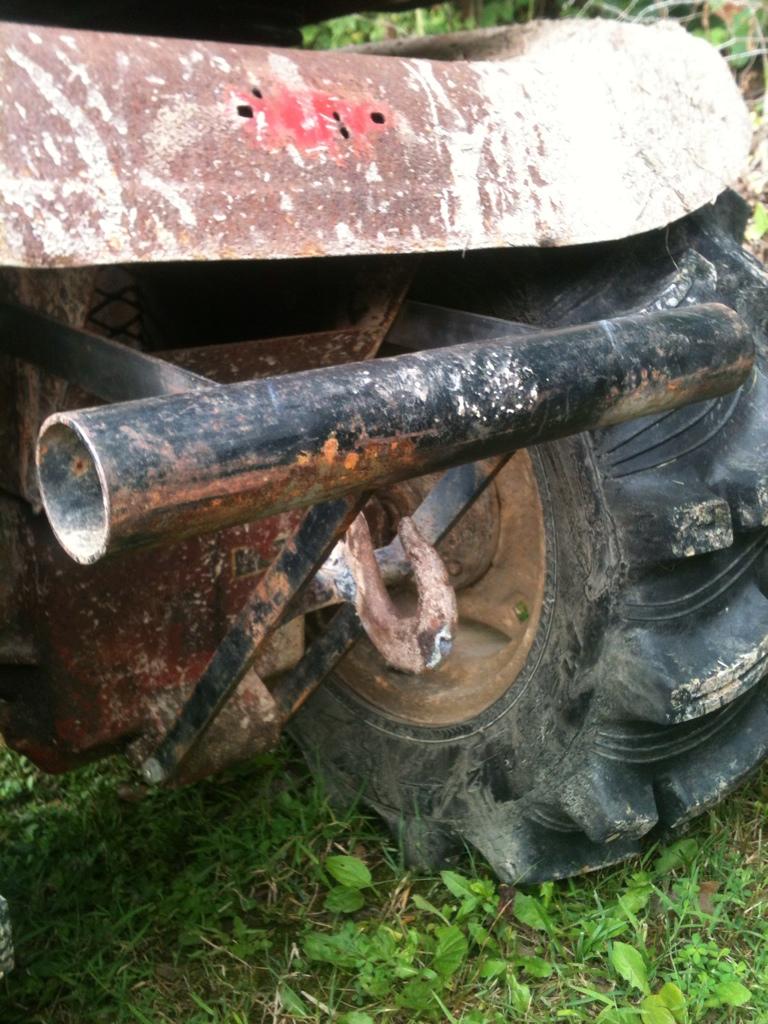 70's Wheel horse C-120 mud crawler trail rider 16F29938-3727-4D6A-B51A-279892564966-1243-000001973DF9E542_zps652905cc