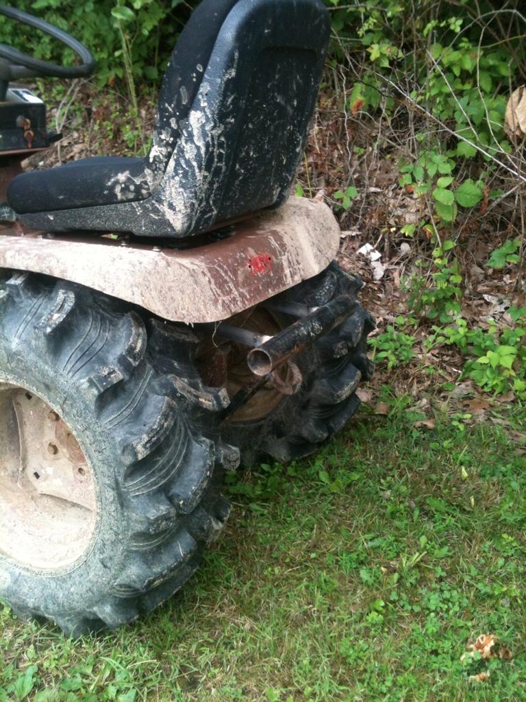 70's Wheel horse C-120 mud crawler trail rider 1EA952A9-2EF8-4704-A956-A7712E345B15-1243-00000197450118F7_zps473d2657