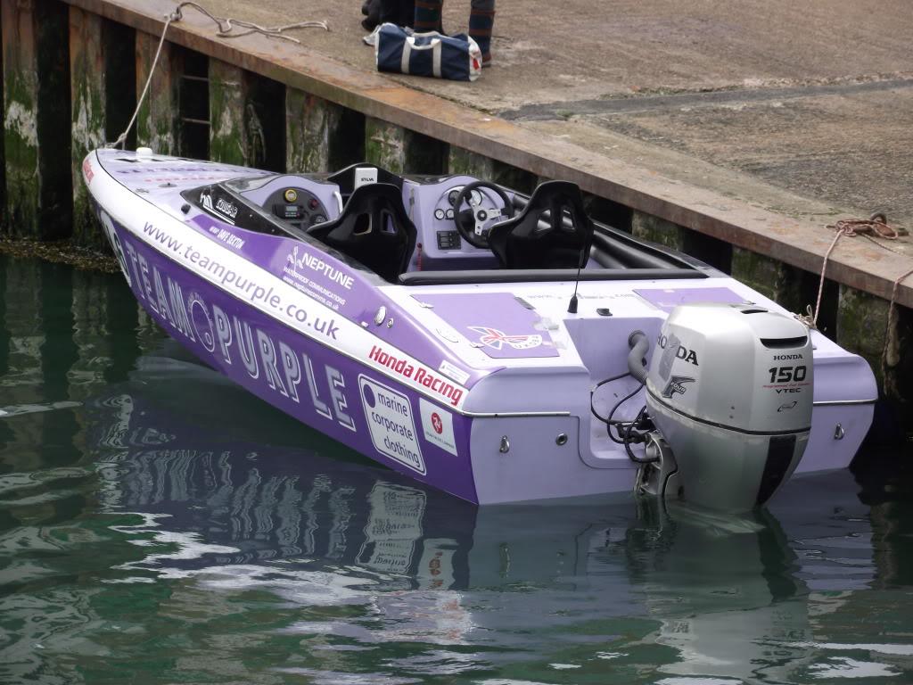 Real racing boat 2010_04110032