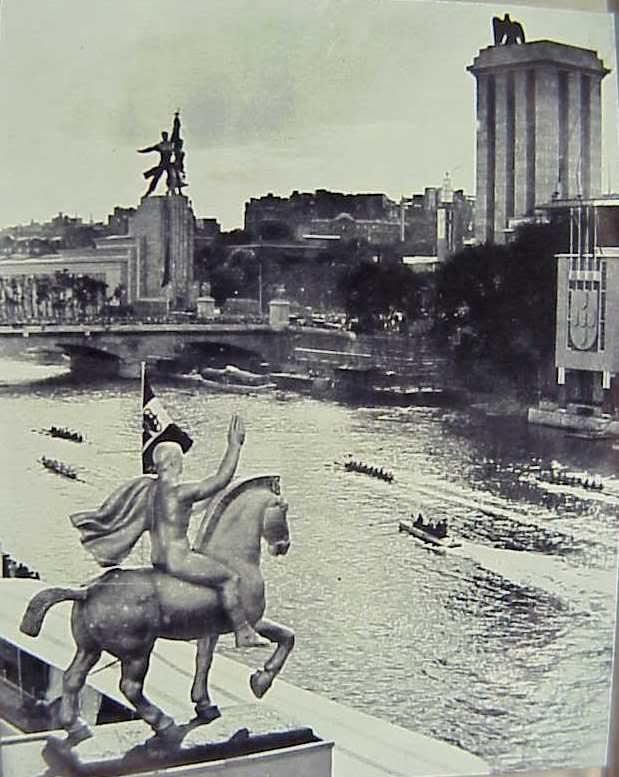 Vuelve monumento del Obrero y la Koljoziana 1