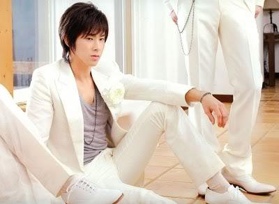 TOP 20 nghệ sĩ có gương mặt đẹp nhất xứ Hàn DBSK2010calendar_21_mogo