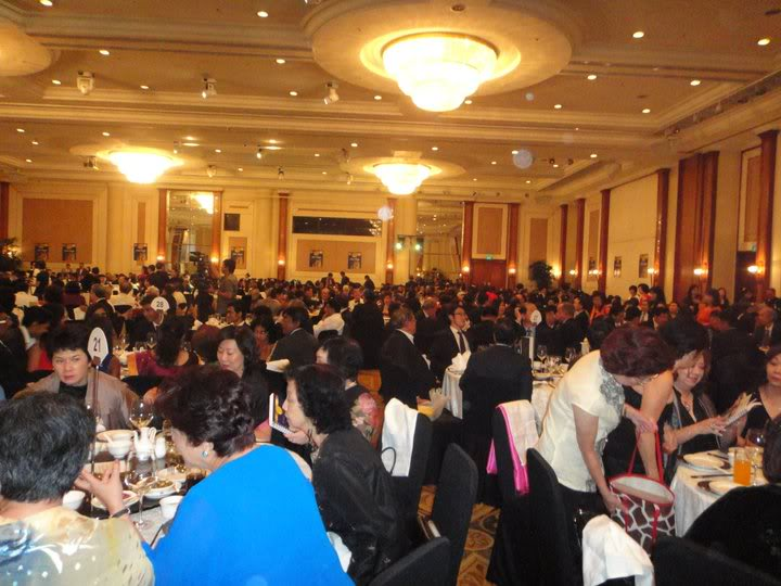 Exciting Nite at Orchard Hotel 226126_10150255818787368_682537367_7268792_5245645_n