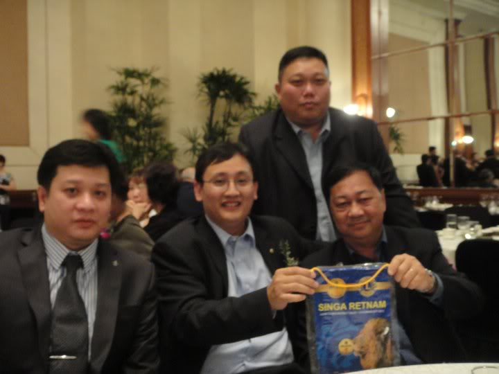 Exciting Nite at Orchard Hotel 284014_10150255821002368_682537367_7268827_4400821_n