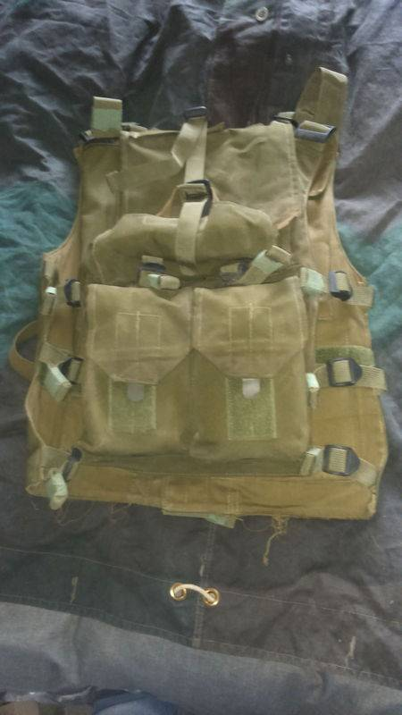 Hagor Assault Vest+Green Beret-Screen Used In Wold War Z by main character SEGEN. World%20war%20z%20vest%20006_zpsiud5nz4i