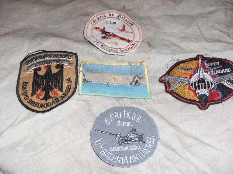 Various Argentine patches and insignia. DSCF0001_zpsd809b3ef
