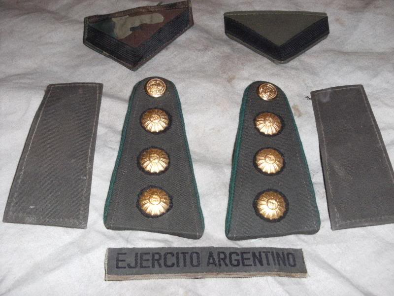 Various Argentine patches and insignia. DSCF0004_zps6765a242