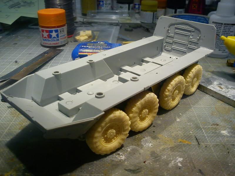 LAV - III avec PE et roues en resine de chez ET Model - Page 3 DSC00059