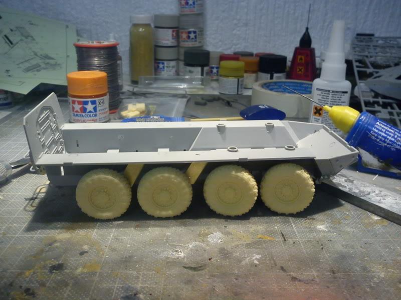 LAV - III avec PE et roues en resine de chez ET Model - Page 3 DSC00060