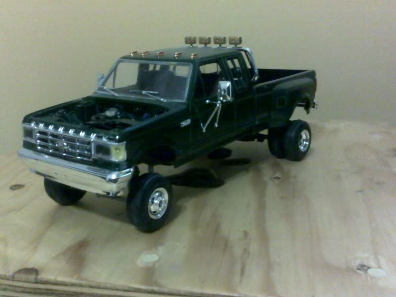 F-350 duallie (laying frame) 111120111036