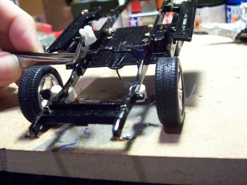 Ford F-100 , reconstruit en lowrider Suspensionavant1