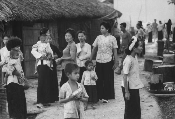 Hình xưa Xứ Dừa Child