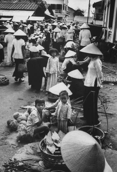 Hình xưa Xứ Dừa Cho_o_Truc_Giang