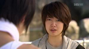 تقرير عن الممثلة Park Shin Hye Minam3-00137