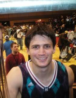 Slike James-Nathan - Page 2 JamesLafferty-NBACelebrityBasket-8