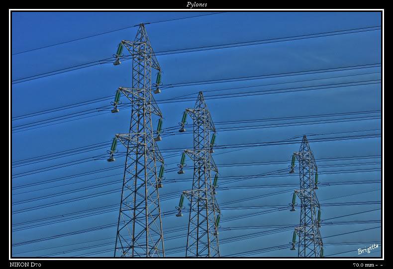 Pylones.... DSC_9611_0_tonemapped-border