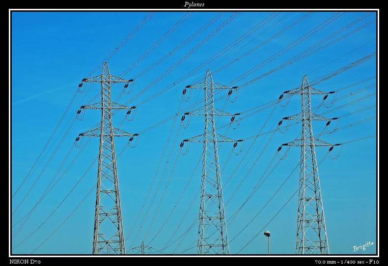 Pylones.... DSC_9630a-border