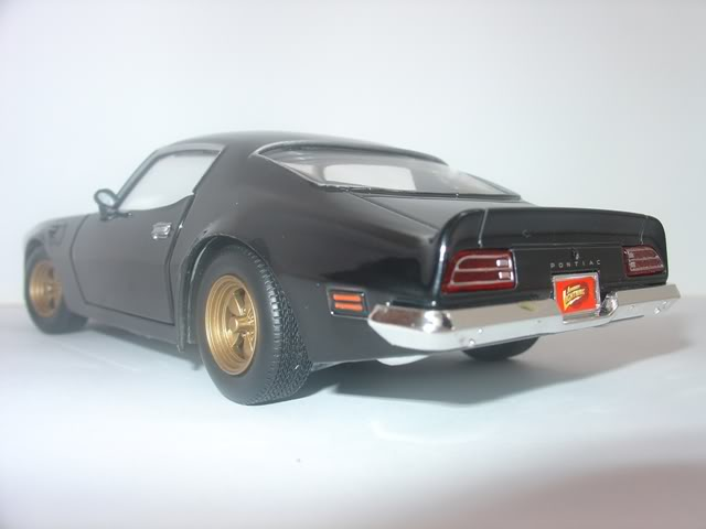 Pontiac Firebird Trans AM by Johnny Lightning DSC07257