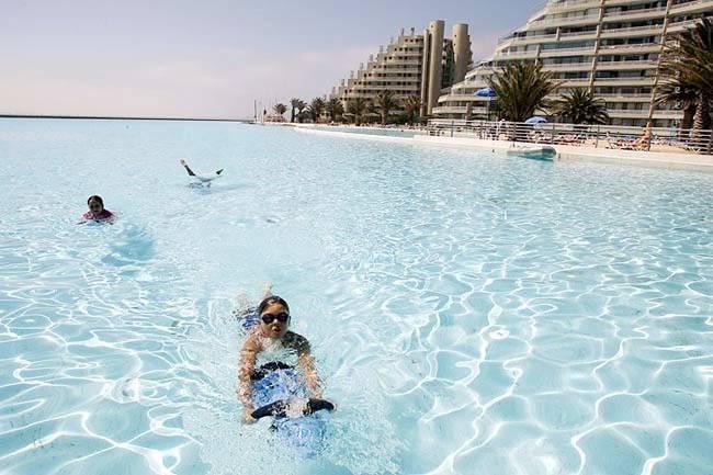 """สระ ว่ายน้ำ"""" ที่ใหญ่ที่สุดในโลก ติดชายหาดสวยๆ !! Image007"""