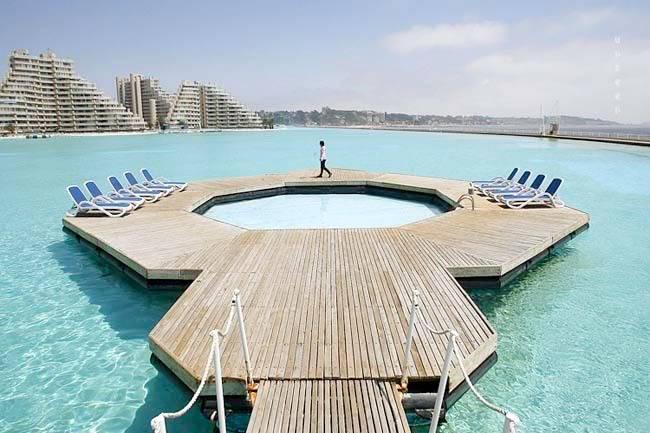 """สระ ว่ายน้ำ"""" ที่ใหญ่ที่สุดในโลก ติดชายหาดสวยๆ !! Image009"""