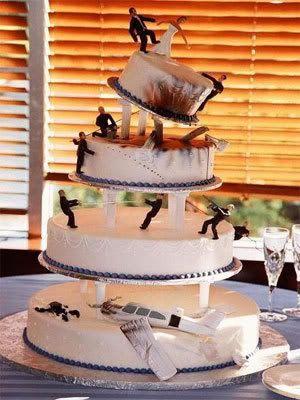 Weddings - Page 2 Funny-cake