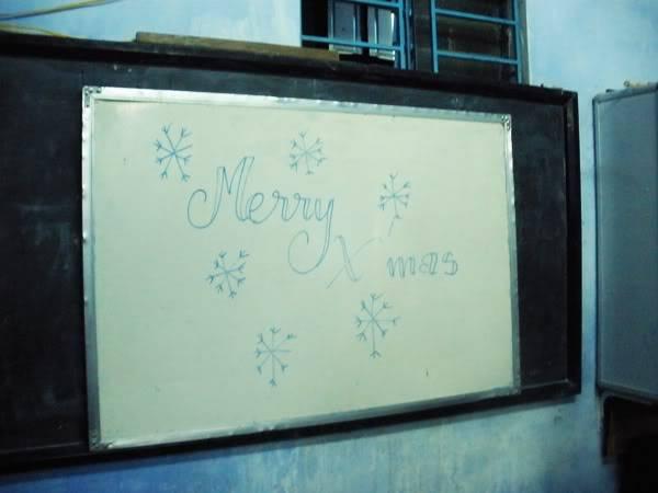 Chữ ai viết mà đẹp tởm rứa