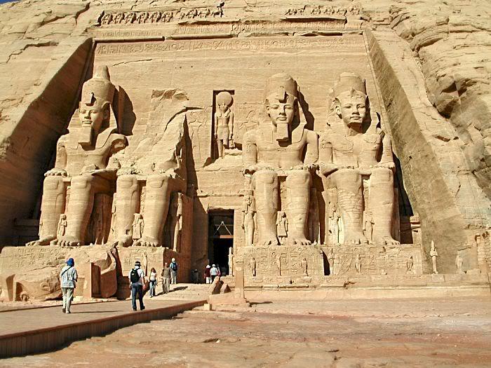 زيارة سياحية لمدينة اسوان بالصور Abu-Simbel-6939
