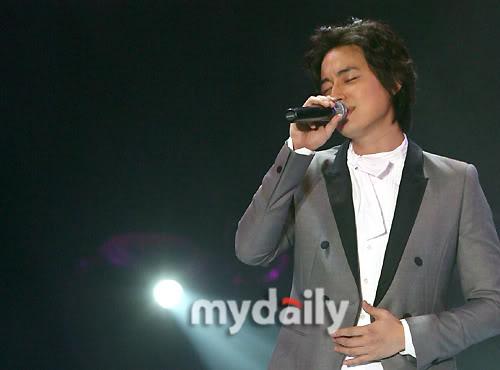 LeeJeeHoon sang in Seoul Hallyu Festival 24/10/08 200810242126551137_1