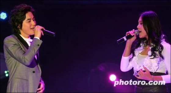 LeeJeeHoon sang in Seoul Hallyu Festival 24/10/08 20081024215330264