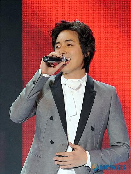 LeeJeeHoon sang in Seoul Hallyu Festival 24/10/08 NISI20081024_0000187654_web