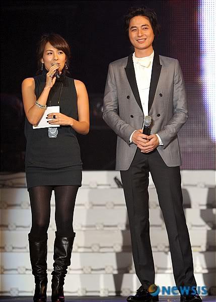 LeeJeeHoon sang in Seoul Hallyu Festival 24/10/08 NISI20081024_0000187657_web