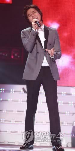 LeeJeeHoon sang in Seoul Hallyu Festival 24/10/08 PYH2008102410780001300_P2
