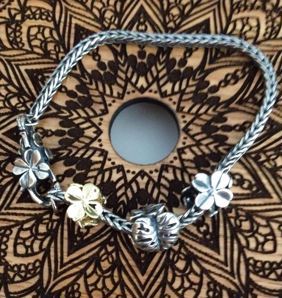 Show Your 40th Clover Bracelets Image.jpg1_zpsrewoimwr