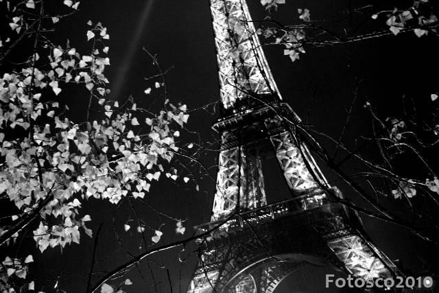 AL_Mái Tóc Dạ Hương - NH Paris-tour-eiffel-by-night-IMG_6546_zps8ddb4228