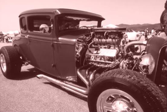 Hotrods Ford-deuce-coupe-300dpi-1