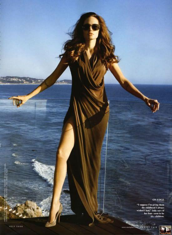Angelina irá ser capa da VANITY FAIR em Agosto. Angelina_Jolie_006