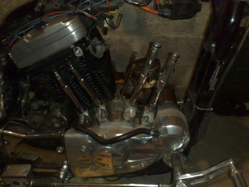 Changement poussoirs hydraulique sur Sportster 1990 Aj38181