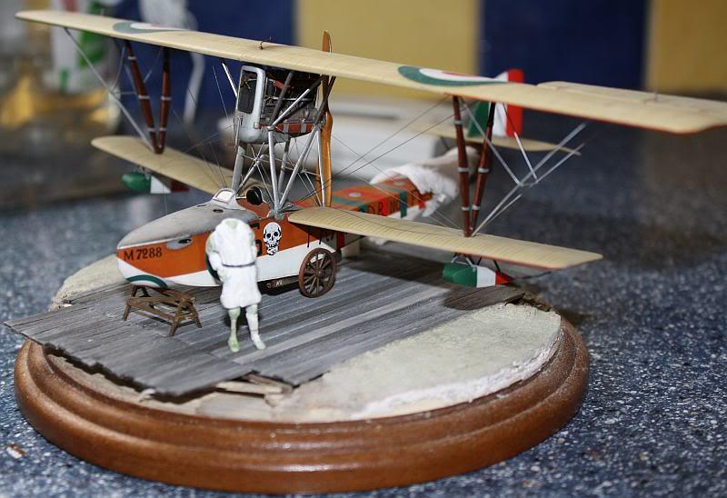 Petit diorama et figurine, Macchi M5 1/48 Photo063