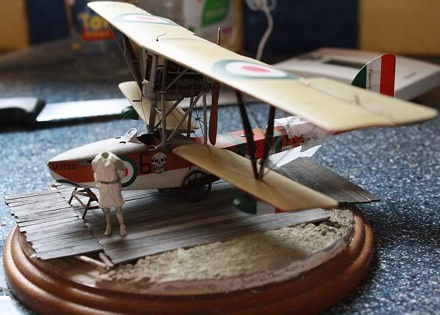 Petit diorama et figurine, Macchi M5 1/48 Photo067