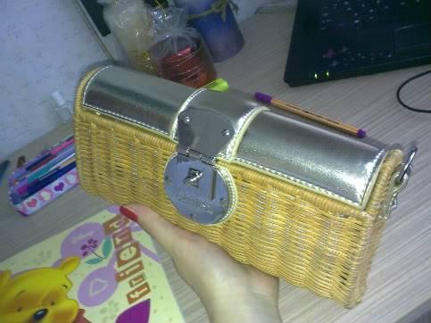 Tasne i torbe za sve prilike - Page 2 09062009589